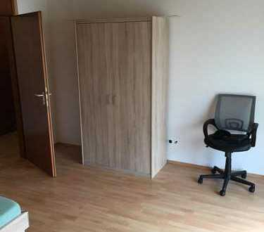 Heidenheim-EG3 - Schoenes, helles Zimmer moebliert mit Terrassenzugang
