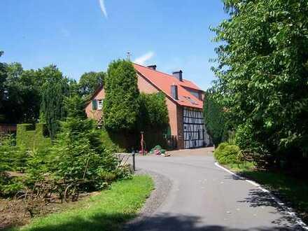 Historische Whg. mit Kaminzimmer auf einem Gutshof im Landschaftsschutzgeb.