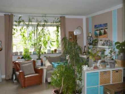 Zentrale 40qm, 1,5-Zimmer Wohnung in zentraler Lage mit Tageslichtbad, Einbauküche Keller