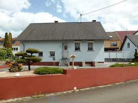 Toprenoviertes Wohnhaus mit Charme im Mandelbachtal