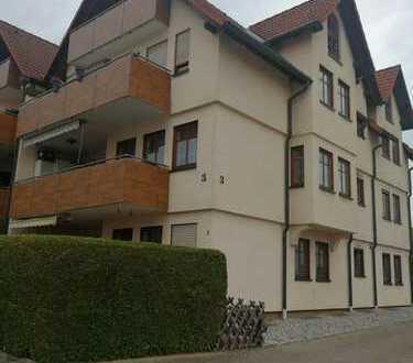 Exklusive, gepflegte 4-5 Zimmer-EG-Wohnung mit Balkon und Einbauküche in Nebringen