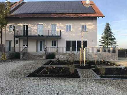 Erstbezug nach Sanierung: attraktive 4-Zimmer-EG-Wohnung mit Terrasse in Feldkirchen