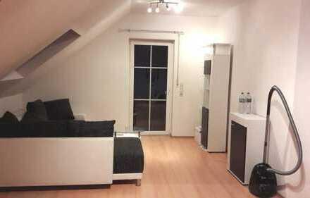 Wunderschöne Dachgeschoßwohnung mit Studio und Balkon!