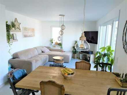Sehr schöne und moderne Maisonette-Wohnung (4,0 Zimmer) mit großem Balkon