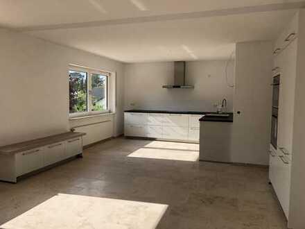 Schöne, große Maisonette-Wohnung in direkter Waldrandlage in Heusenstamm von privat