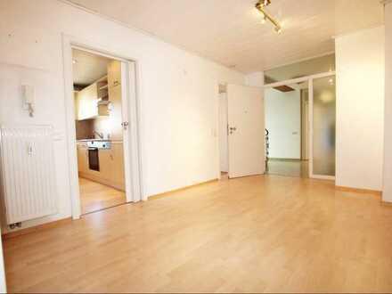 Schöne komplett hochwertig sanierte 3 Zimmer Wohnung mit 91 qm und 3 Garagen zu verkaufen