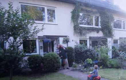 Sonniges Haus (MRH) mit sechs Zimmern in Hamburg, Bramfeld
