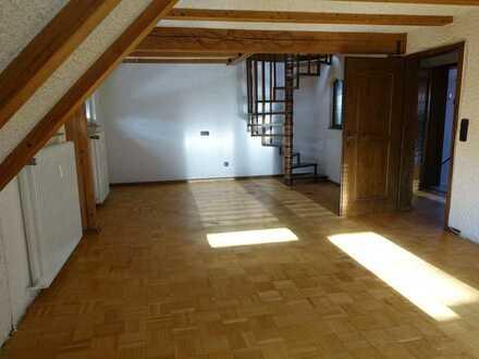 Gepflegte 3,5-Raum-Wohnung mit Balkon und Einbauküche in Hardthausen
