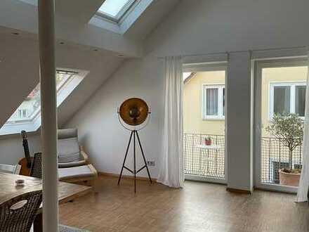 Helle 3-Zimmer-Maisonette-Wohnung mit Balkon und Einbauküche in Fellbach-Lindle