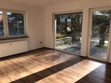 Vollständig renovierte helle 2-Zimmer-EG-Wohnung mit Terrasse und EBK in Hofbieber OT Langenbieber