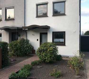 Attraktive und vollständig renovierte 5-Zimmer-Doppelhaushälfte zur Miete in Katernberg, Essen