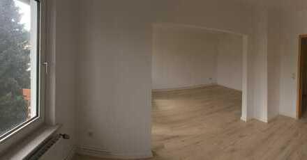 Frisch renovierte Wohnung 4 Zimmer- Balkon *****Erstbezug**** 