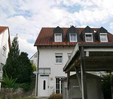 *Doppelhaushälfte am Landshuter Moniberg* 5 Zimmer mit kleinem Garten