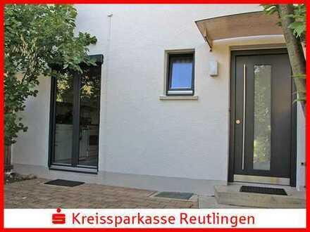 Modernisiertes Reihenmittelhaus mit Wintergarten in gefragter Lage!