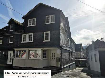 Kapitalanleger aufgepasst - voll vermietetes Dreifamilienhaus in zentraler Lage von Herdorf!