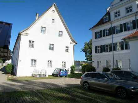 Ruhige 2 ZKB Wohnung im Schloss von Niederraunau - Krumbach