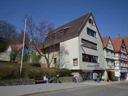 Wohnen am Marktplatz von Biberach! Aufzugsversorte, lichtdurchflutete Maisonetten-Whg. mit 5 Zimmer