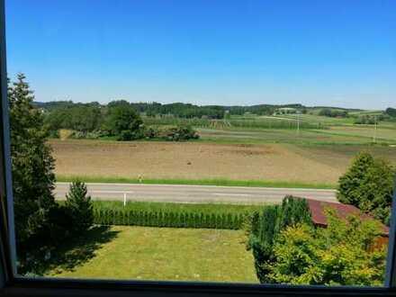 Ansprechende 2-Zimmer-Dachgeschosswohnung mit neuer EBK in Burgstall Nähe Rohrbach