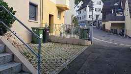 Modernisierte 3,5-Raum-Maisonette-Wohnung mit Balkon und Einbauküche in Stuttgart