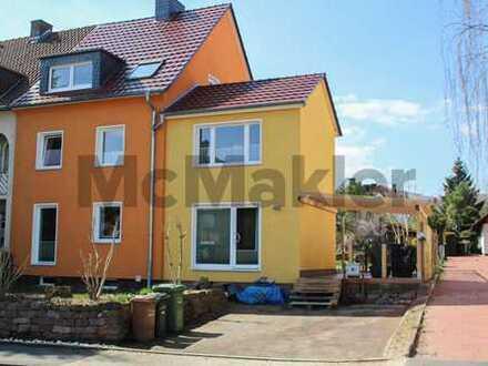 Charmante Doppelhaushälfte mit Garten in zentraler Lage von Harleshausen