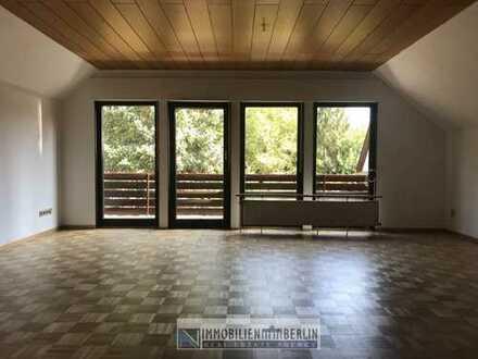 3 Zimmer-Wohnung mit großem Süd-W Balkon im 1.OG in einem freistehendes 2 Familienhaus zu vermieten