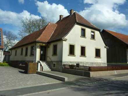 Gepflegtes Einfamilienhaus, freistehend, in Waldmannshofen