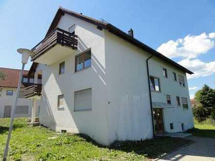 Helle und sehr gut geschnittene 2-Zimmer-Wohnung mit Balkon in ruhiger Lage von Owingen