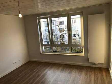 Südstadt-Maschsee: Erstbezug nach Sanierung - 4 Zimmer mit EBK und Balkon