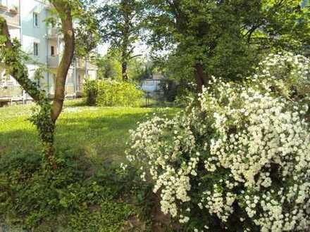 So soll es sein - Wohnen am Park grünen Innenhof mit kleinem Wintergarten