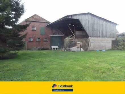 Sanierungsbedürftiges Bauern-/Landhaus mit großem Grundstück