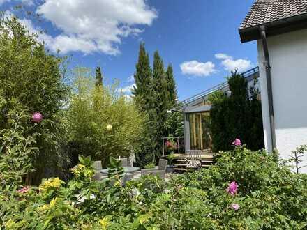 Großzügiges Einfamilienhaus mit wunderschönem Garten