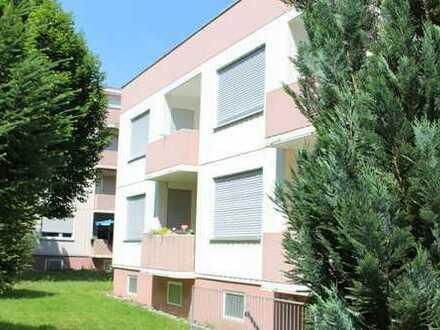 Schöne 1 Zimmer Wohnung mit Balkon, Tiefgaragen+Aussenstellplatz in bester Wohnlage