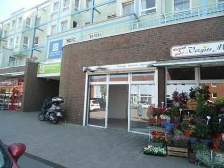 Klasse Ladenlokal in gut frequentierter Einkaufslage mit reichlich Parkmöglichkeiten vor der Tür !