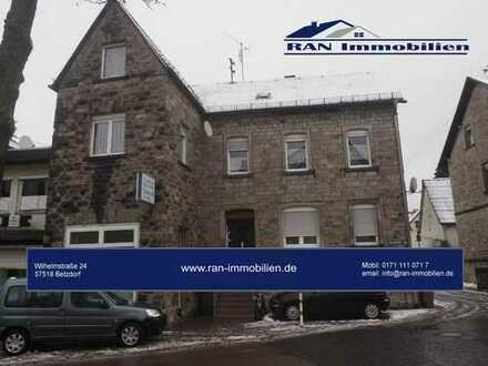 3 Familienhaus mit Geschäft in Selters
