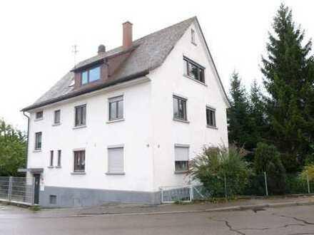 Sanierte Dachgeschosswohnung - im Herzen von Erbach! Ab sofort beziehbar.