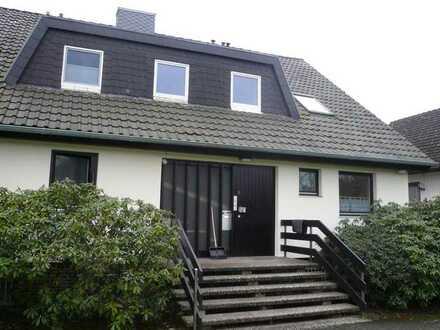 Gepflegte 1,5-Raum-Dachgeschosswohnung mit Einbauküche in Burgwedel OT Thönse