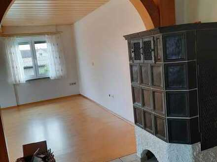 Gepflegte 4-Raum-Wohnung mit Einbauküche in Hohenstein