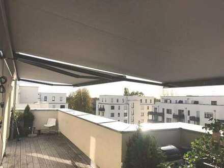2-Zimmer-Penthouse-Wohnung mit großer Sonnen-Terrasse und TG-Platz