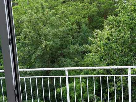 3 Zimmer Dachgeschoßwohnung mit schönem Balkonblick!
