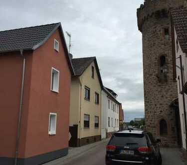 Erstbezug:Traumhafte, lichtdurchflutete Dachgeschosswohnung. in Großwallstadt
