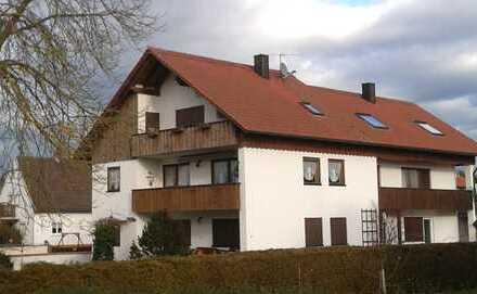 Gepflegte 5-Zimmer-Wohnung mit Balkon in Eitensheim