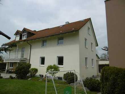 schöne 2 Zimmer Wohnung in München Harthof, nähe BMW VIZ, im Siedlungshaus im grünen