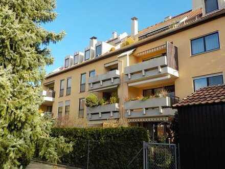 Schöne, neu renovierte 2 ZKB Wohnung mit Balkon in ruhiger Lage in Hochzoll