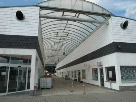 Leerstehendes Fachmarktzentrum in Laußig zum Verkauf