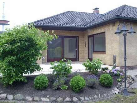 Gemütlich wohnen im Bungalow mit Garage und großem Garten!