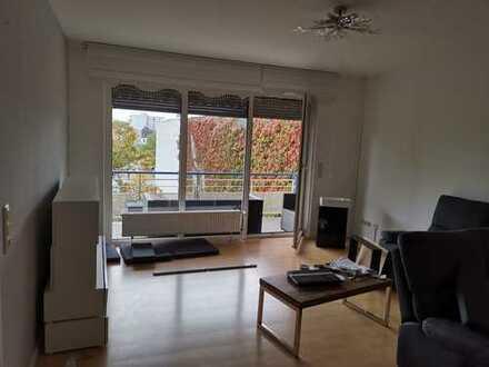 Exklusive, modernisierte 3-Zimmer-Wohnung mit Balkon und EBK in Dreieich-Sprendlingen