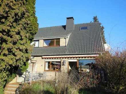 Angebautes Einfamilienhaus in sehr guter Lage !