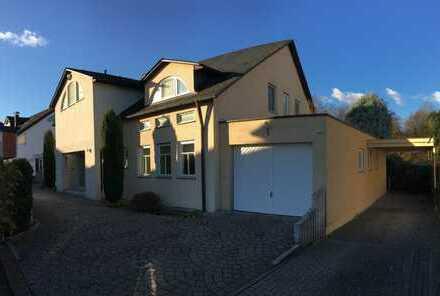 Schwetzingen Schälzig: Freistehende Traumvilla mit Außenpool