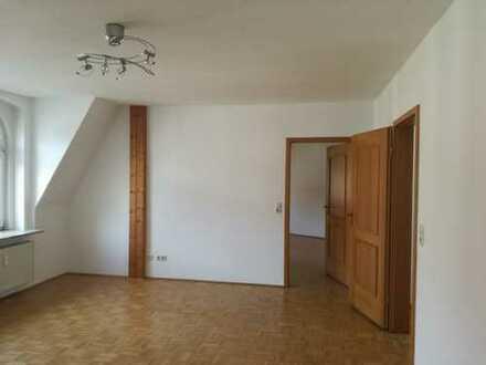 Frisch renovierte Wohnung mit Einbauküche und Parkett