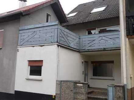 GANESHA-IMMOBILIEN...Wohnhaus mit sehr viel Platz und mehr zu vermieten !
